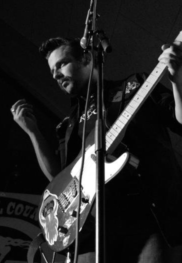 Jörgen Gillstedt / Gitarr/Sång